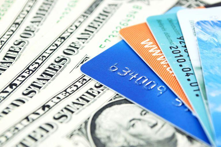 Vacaciones en dólares: cómo pagar la tarjeta de crédito sin el recargo del 30%