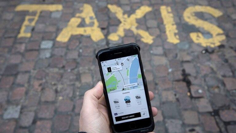 Para la Justicia europea, Uber es un servicio de transporte, y por lo tanto debe obtener una licencia convencional