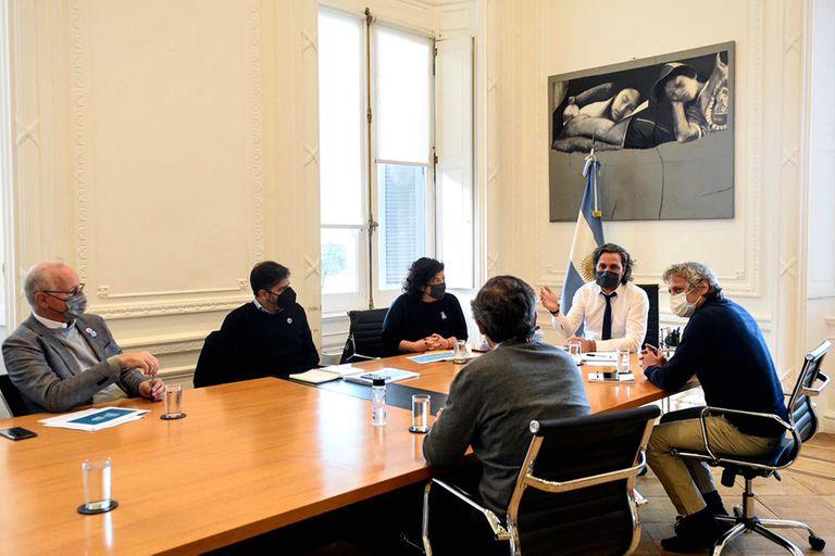 La reunión del jefe de gabinete, Santiago Cafiero, y la ministra de Salud, Carla Vizzotti, con sus pares de la ciudad y la provincia de Buenos Aires