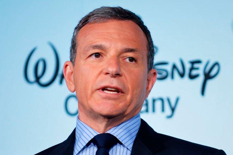 El CEO de Disney se disculpó después de que la compañía multara a una escuela