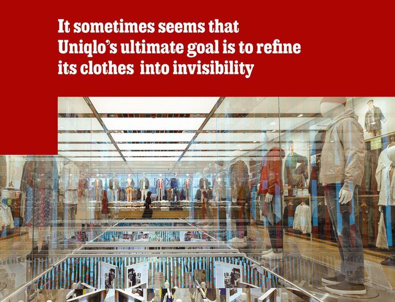 Pile 'em high tienda insignia de Uniqlo en Ginza. Foto: The Economist.