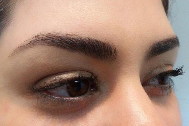 El perfilado de cejas es un servicio personalizado de depilación que respeta la forma natural
