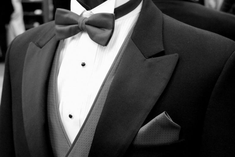 Moño, pajarita, bow tie... es el accesorio imprescindible para un smoking.