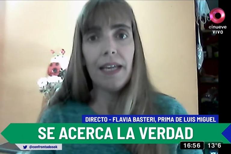 Entrevistada por Marina Calabró, Flavia Basteri pidió un examen para reconstruir la identidad de una mujer que asegura puede ser la madre biológica del cantante, y que actualmente se encuentra internada en un neuropsiquiátrico de Buenos Aires