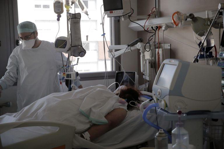 Cuando el oxígeno no alcanza, los médicos deben decidir quién vive y quién muere