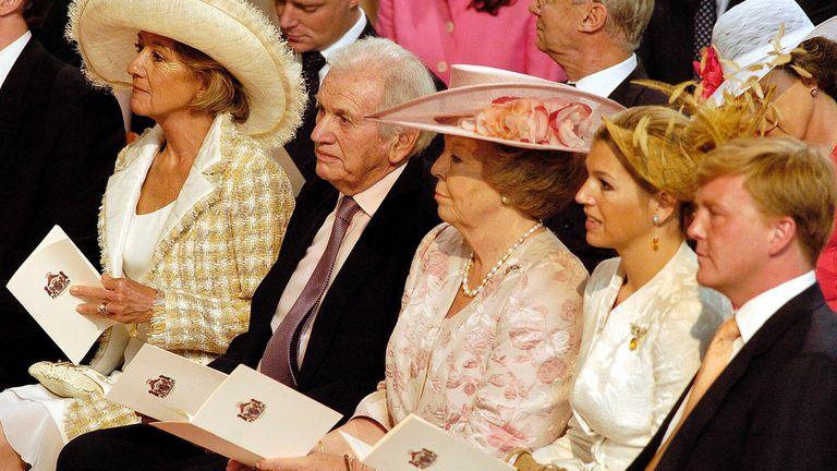 Familia reunida: María del Carmen y Jorge Zorreguieta, Beatriz de Holanda, la reina Máxima y el rey Guillermo durante un acto oficial