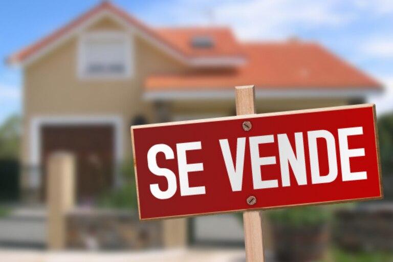 """""""La gente se volvió loca comprando"""": por qué se dispararon los precios de la vivienda en varios países"""