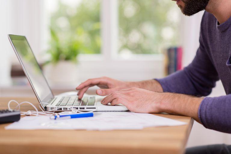 Las compañías alientan a establecer políticas claras para el distanciamiento físico en el lugar de trabajo