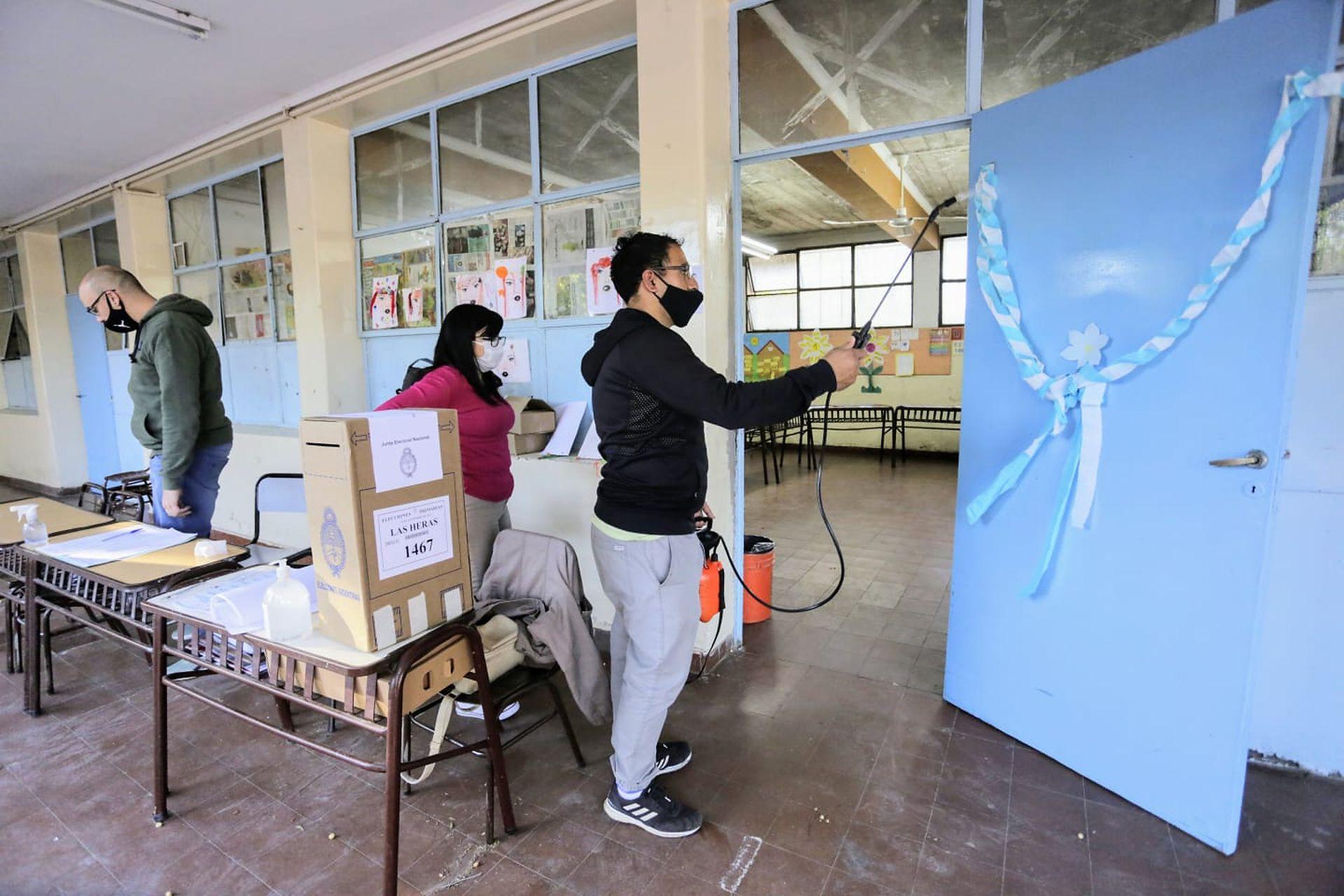 Con esttrictos protocolos se desarrollan las elecciones en Mendoza