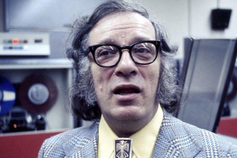 Nació en Rusia en 1920 y se crió en Nueva York desde los 3 años: Brooklyn prepara varios homenajes a Asimov para esta semana
