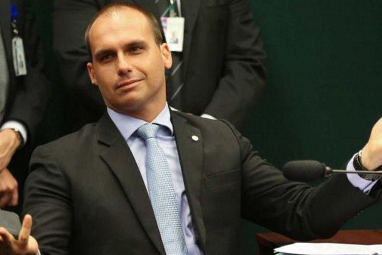 El hijo de Bolsonaro desiste de ser embajador en EE.UU.