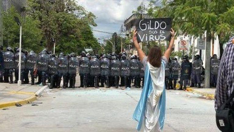 Sátrapas provincianos, o federalismo envilecido a la argentina