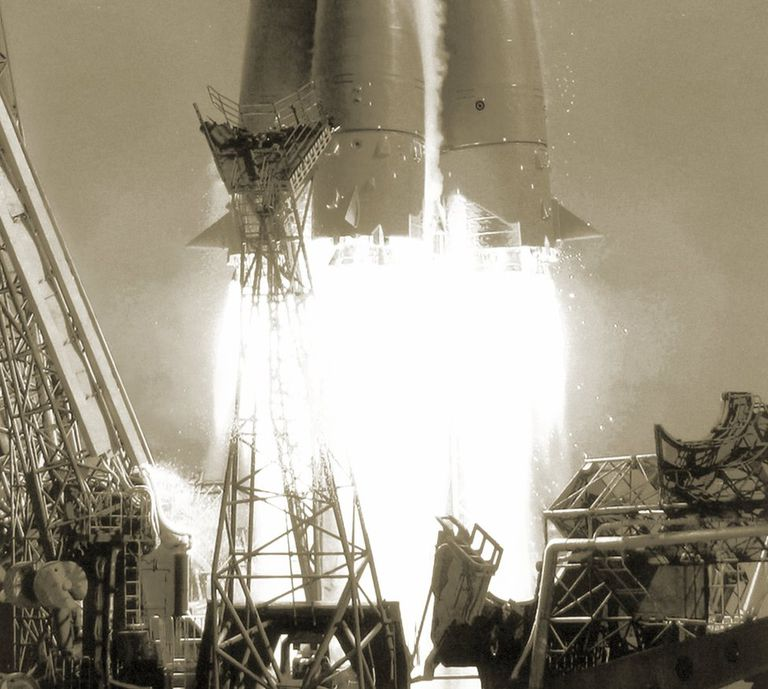 El cohete R-7 fue creado con fines balísticos, pero adaptado para la exploración espacial.