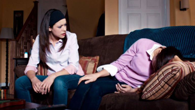 Tatiana Maslany como Sarah y Alison en Orphan Black