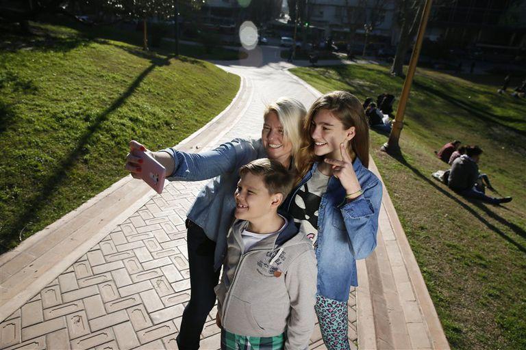 Valeria Vicente comparte imágenes de sus hijos Octavio y Rafaela con sus contactos, pero sabe qué puede y qué no