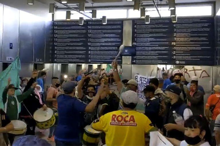 Cárceles. Familiares de presos tomaron el hall del Ministerio de Justicia