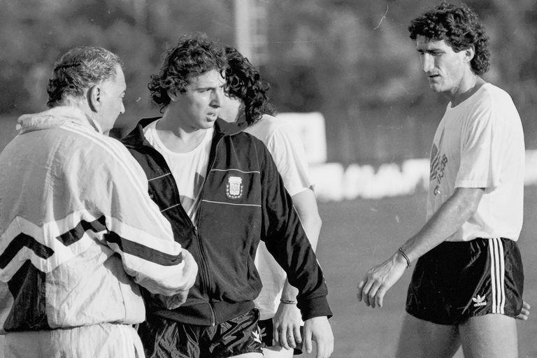 Néstor Fabbri y Edgardo Bauza, dos de los defensores que llevó Bilardo al Mundial