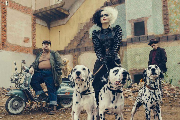 Emma Stone como Cruella Deville