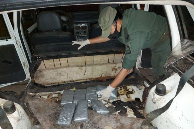 Pocos días después del asesinato de Vedia, también en Salvador Mazza, agentes federales incautaron siete kilos de cocaína en la frontera.