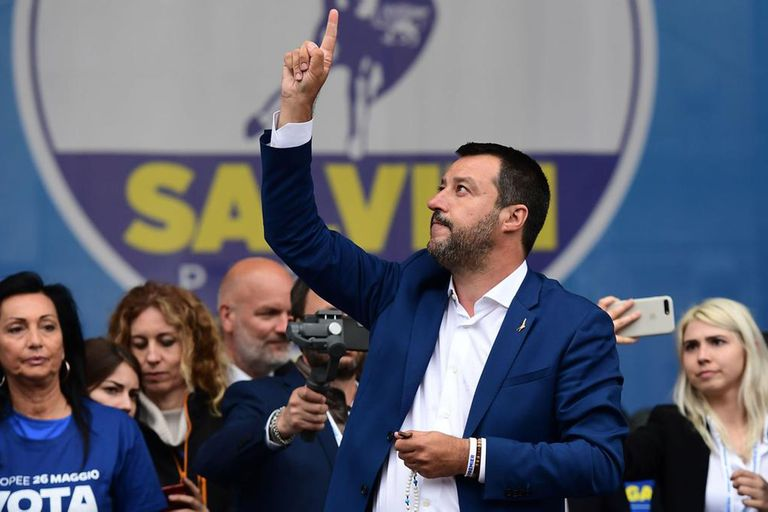 Italia: Salvini se queda con todo y le quita más poder a su socio