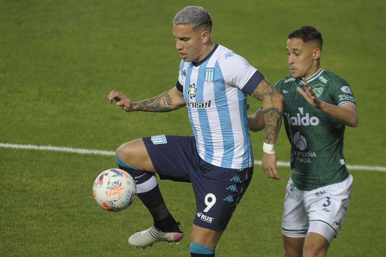 Racing y Sarmiento se miden en Avellaneda