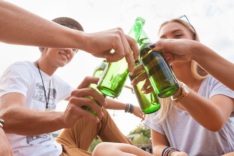 Adolescentes y alcohol. Las consecuencias de naturalizar su consumo
