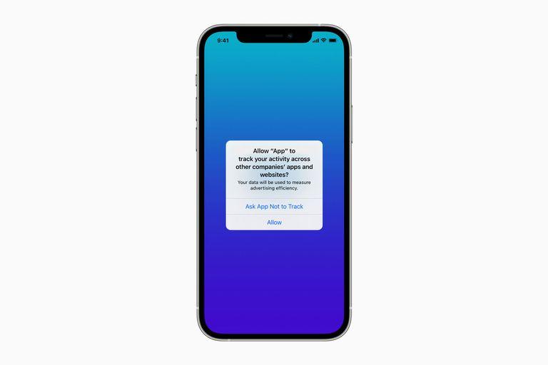 Así se ve la advertencia que emitirá el iPhone cuando está actualizado con la última versión del sistema operativo, iOS 14.5