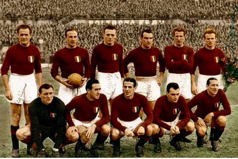 La selección de Italia de 1949, con 10 jugadores del Torino entre los titulares