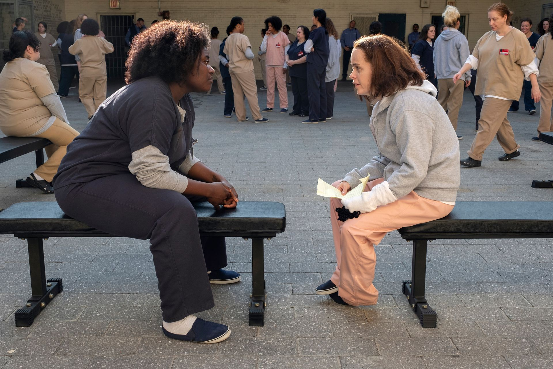 """Taystee (Danielle Brooks) y Penssatucky (Taryn Manning), dos personajes que comenzaron como """"reparto"""" pero cuyas historias se convirtieron en centrales para la historia"""