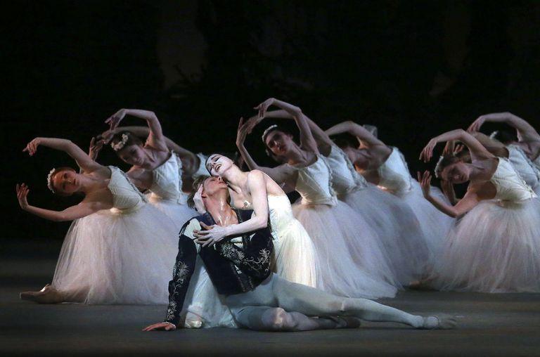 Giselle siempre revive: 180 años de amor, traición y perdón con la gran joya del ballet romántico