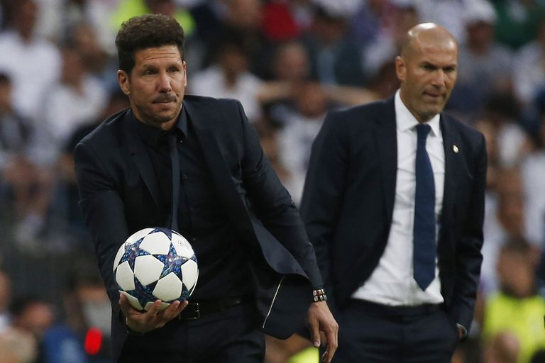 Si sus equipos avanzan, Diego Simeone y Zinédine Zidane se encontrarán en la final y el clásico madrileño definiría la Champions por tercera vez en siete años.