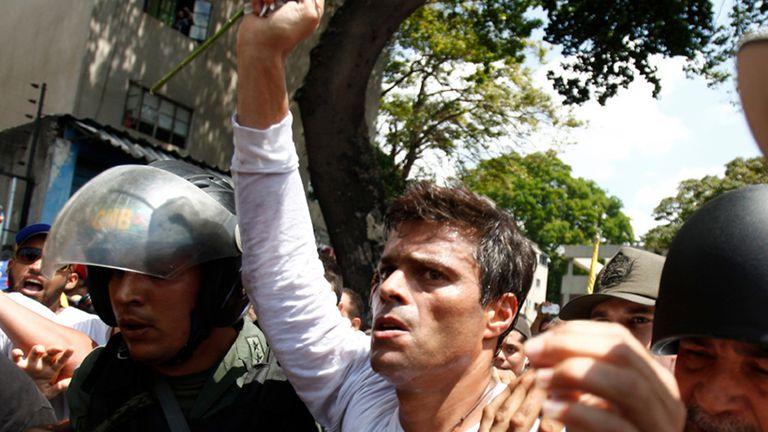 Leopoldo López, el día en que se entregó