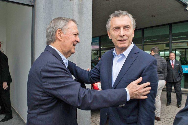 Macri se encuentra con Schiaretti mientras el Gobierno negocia con gobernadores