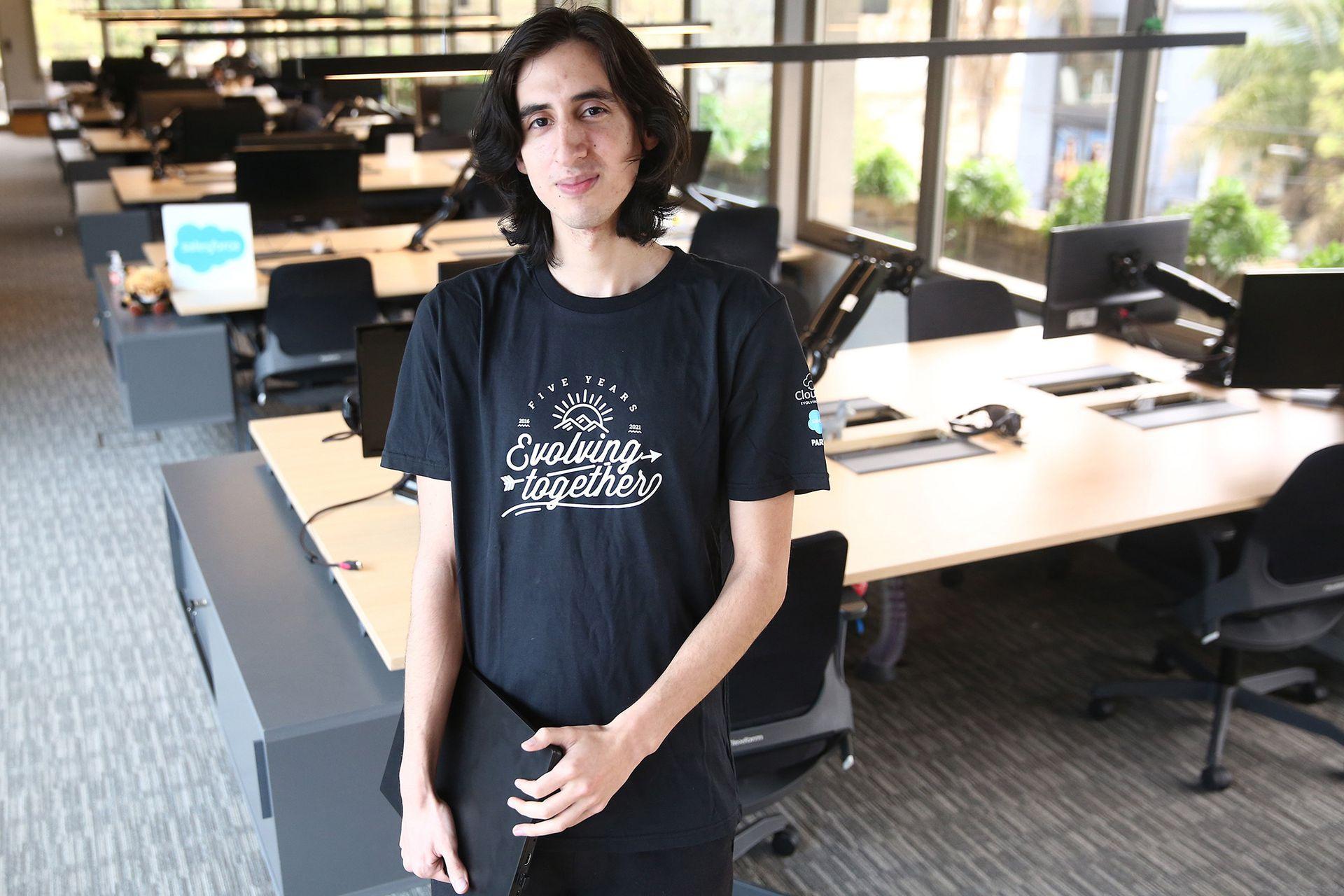 Leo Campoy, de 22 años, hizo un bootcamp y consiguió trabajo en CloudGaia, empresa de software argentina.