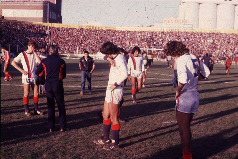 El 15 de agosto de 1981 cae San Lorenzo, el primer grande