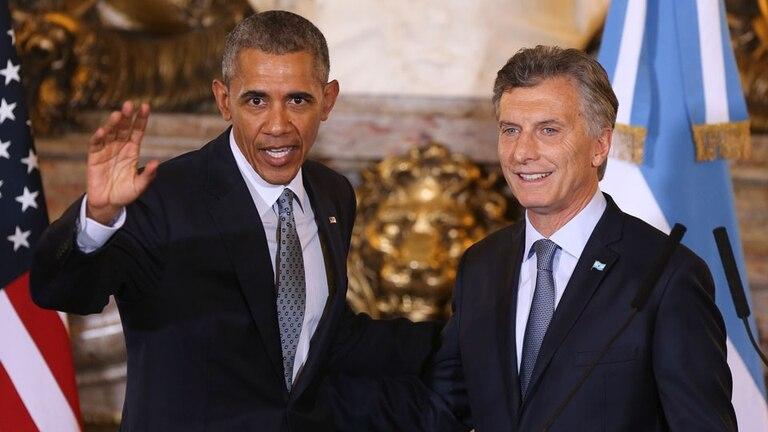 Mauricio Macri reveló que está leyendo la biografía de Barack Obama y se conoció la especial dedicatoria del libro