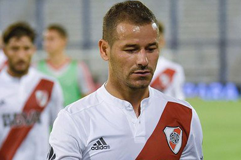 Se lesionó Rodrigo Mora y está casi descartado para el partido ante Argentinos