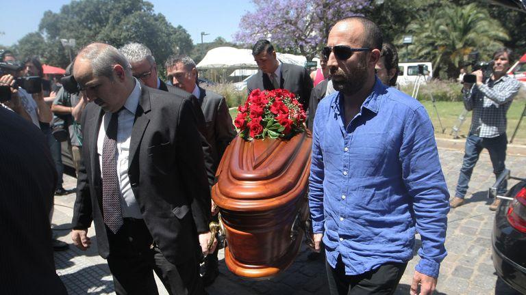 Despedida de los restos mortales del ex juez Carlos Fayt en el cementerio de la Recoleta