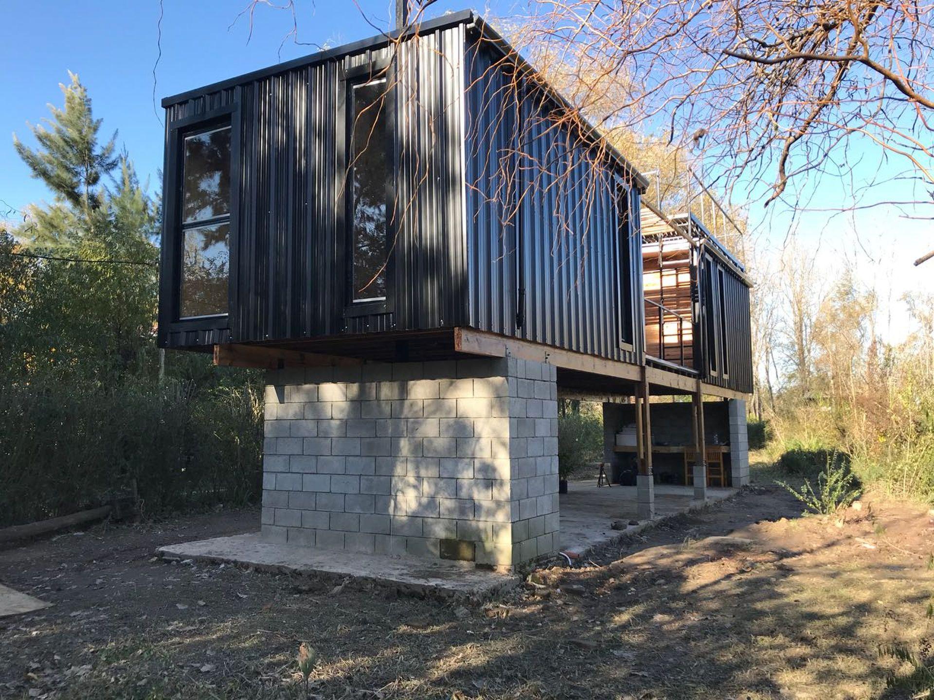 Por fuera, la casa de Rodrigo en el Delta
