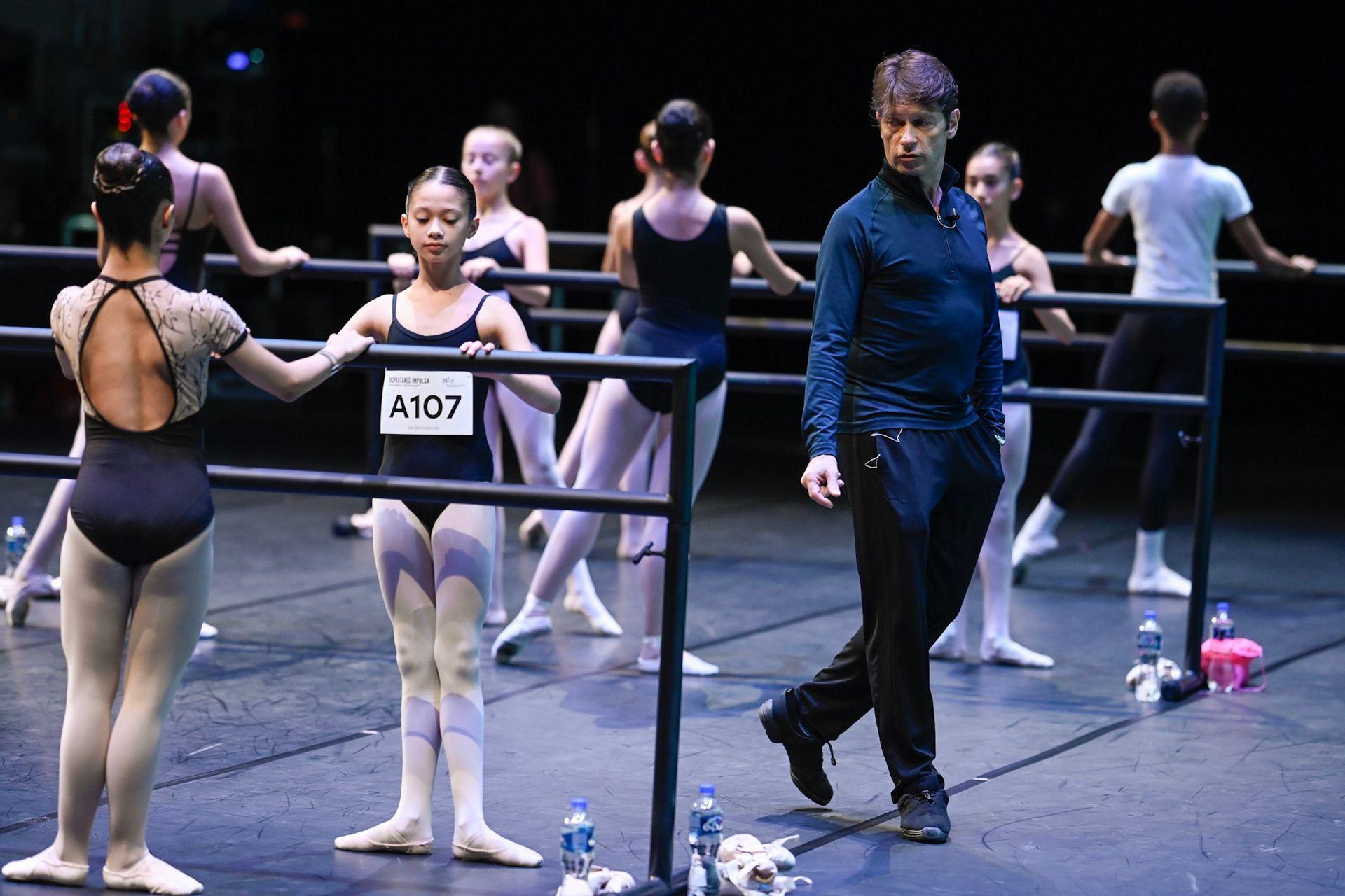 Con el A107, Julieta Castro, de 12 años, quedó seleccionada para la escuela del San Francisco Ballet