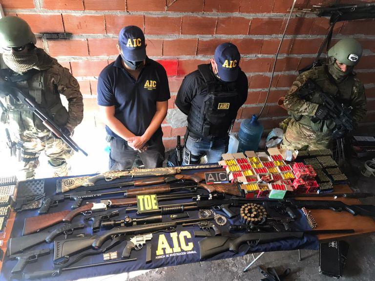 Un policía experto en balística manejaba la provisión de armas y municiones del mercado negro en Rosario