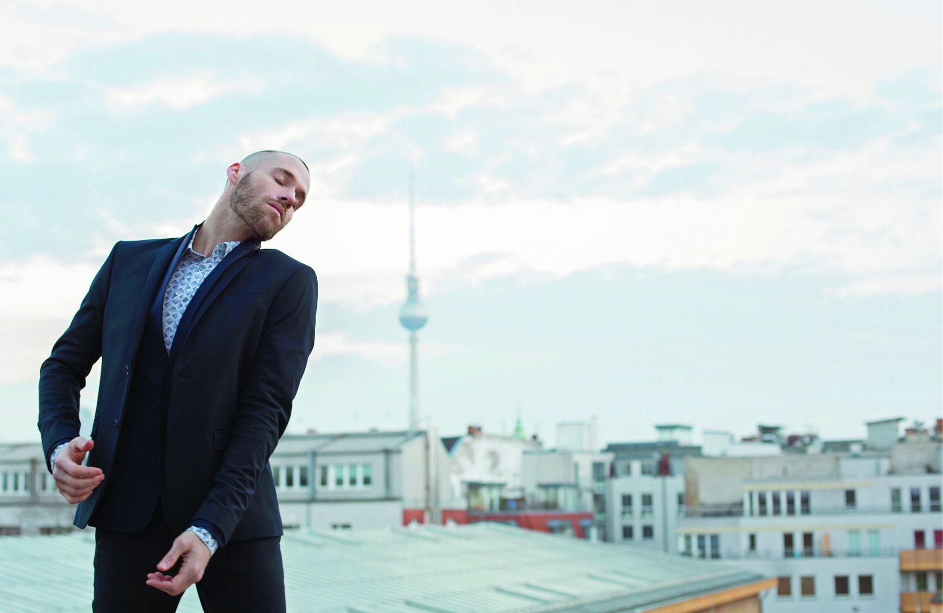 """Lucio Vidal hizo carrera, del Ballet Contemporáneo del Teatro San Martín al Staatsballett de Berlín. """"Intento dar algo de mí a lo que estoy haciendo, ponerle color a las cosas"""""""