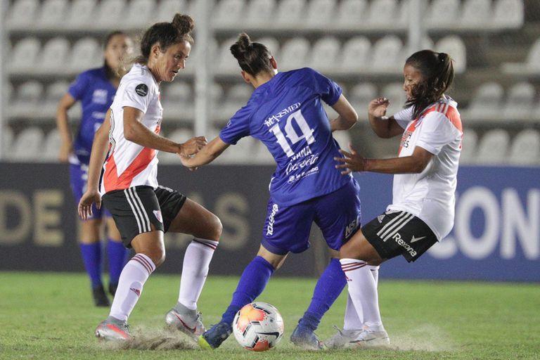 Libertadores femenina: el número que marca la inequidad entre hombres y mujeres