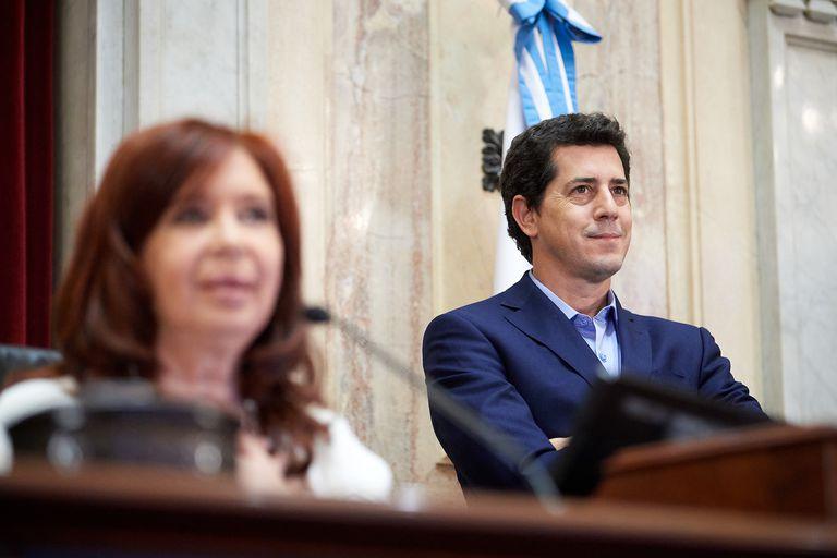 """Cristina Kirchner se reúne en el Senado con el """"renunciado"""" ministro De Pedro"""