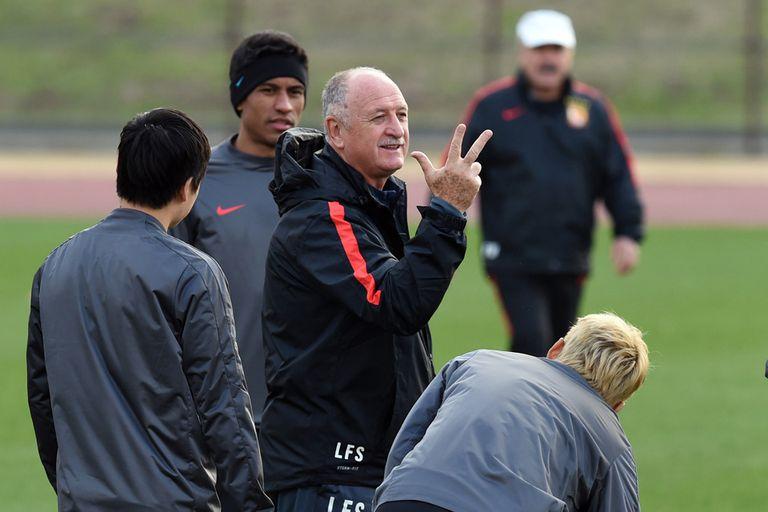 Scolari y Paulinho son dos grandes referntes del Guangzhou Evergrande