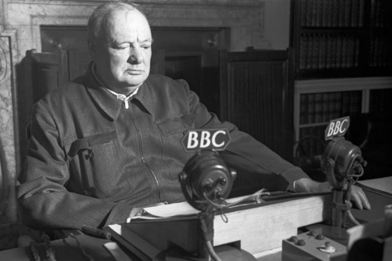 Winston Churchill fue nombrado dos veces como primer ministro del Reino Unido; la primera, de 1940 a 1945; la segunda, de 1951 a 1955.
