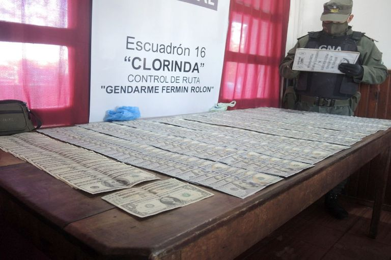 Misterio: interceptaron otro camión que transportaba US$ 34.000 ocultos