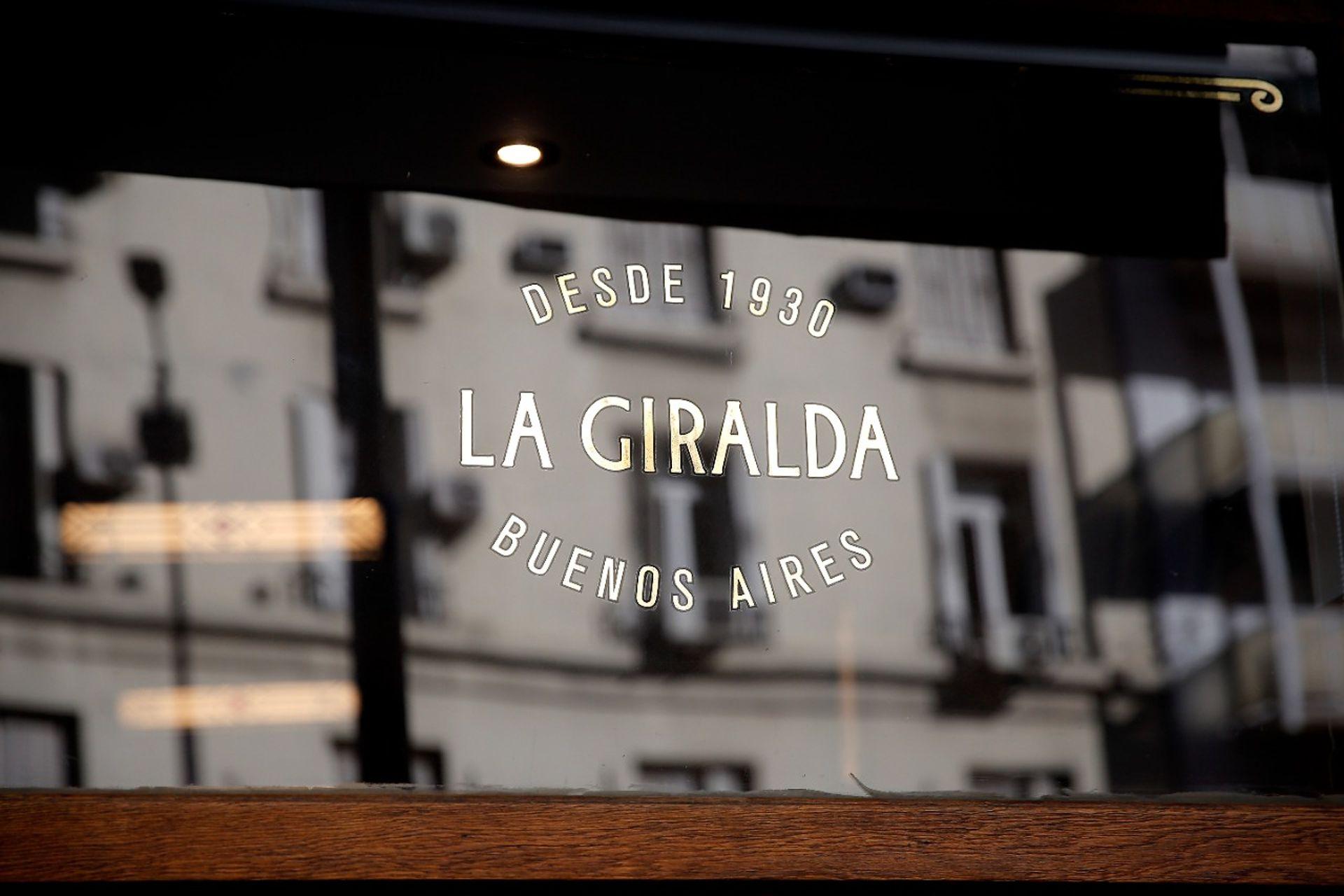 Reapertura del bar La Giralda