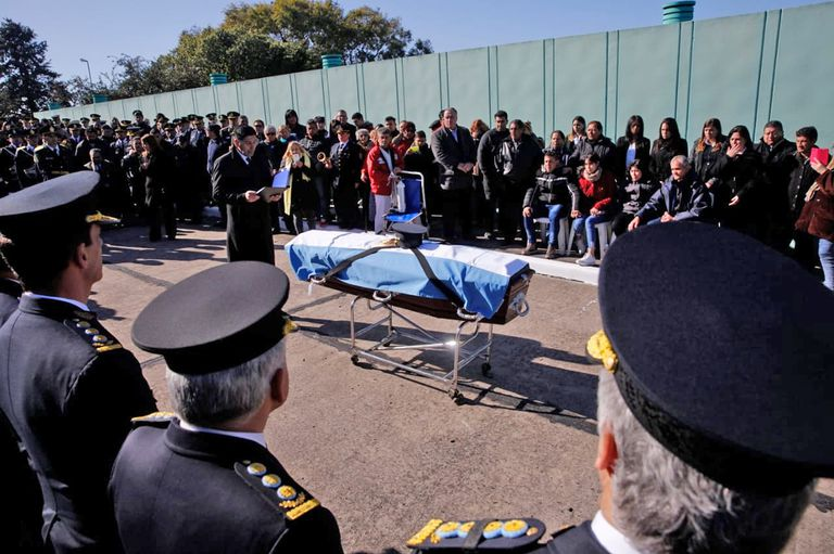 Al inicio de la ceremonia, la joven fue ascendida post mortem a subteniente