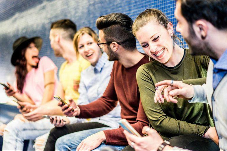 El Día del amigo se celebra el sábado en la Argentina, Brasil, Chile, Uruguay y España - Crédito: Shutterstock